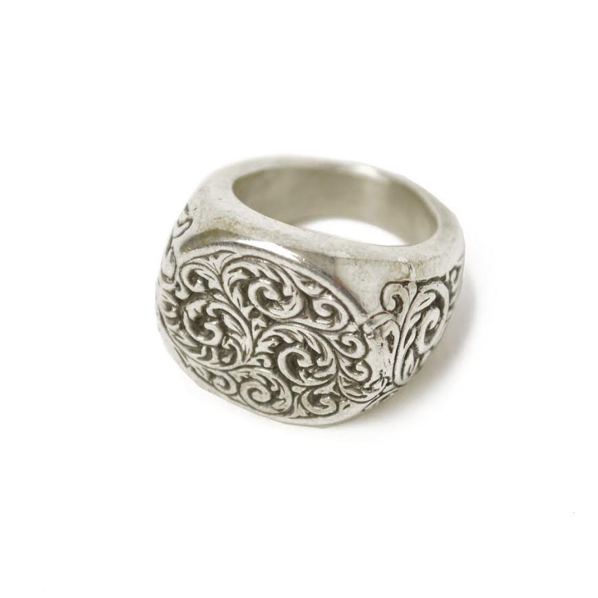 Henson【ヘンソン】 リング ENGRAVED ROUND SIGNET RING SILVER (シルバー)